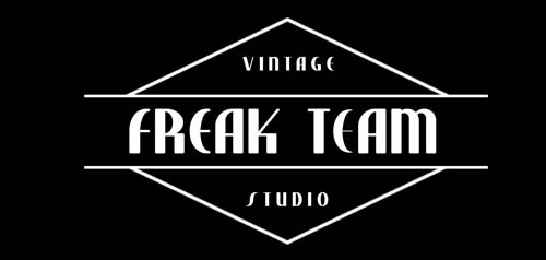 logo freak team